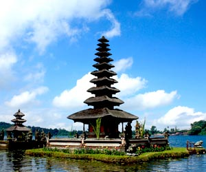 Bedugul--Tanah-Lot-Temple